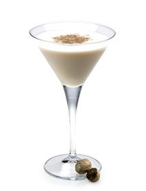 Disaronno Latte  •1 part DISARONNO •1 part Coffee liqueur •2 parts Half & Half mix Method  Shake with ice and strain into a chilled martini cocktail glass. Top with nutmeg.