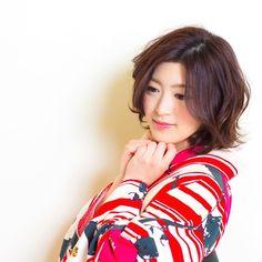 tatsuya kitagawaさんはInstagramを利用しています:「today's hair style☆ ボブなら巻き下ろしもありだと思います☆ 今っぽい無造作感を出して . 衣裳協力 @bphotoworks @shimazu.5160 ありがとうございました。 #ヘアセット #セット #ヘアアレンジ #ボブ #ゆる巻き #パーマ #32ミリ #ヘアアクセサリー #シンプル #和装 #卒業式 #袴 #結婚式 #ルーズ #フェミニン #ブライダル #パーティー #二次会 #ファッション #メイク #ありがとう #京都 #京都駅前 #美容室 #t2style #love #hairset #courarir #courarirkyotoekimae #kyoto」
