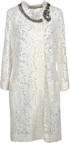 Ermanno Scervino Coats for Women White Fashion, I Love Fashion, Womens Fashion, Winter Coats Women, Coats For Women, Beautiful Outfits, Beautiful Clothes, Fashion Project, Ermanno Scervino