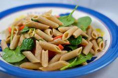 insalata di pasta, salmone e rucola