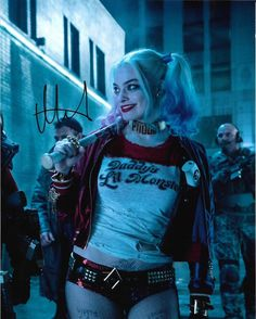 "Margot Robbie Autograph ""Harley Quinn Suicide Squad"" 8 x 10 Signed Photo COA Harley Quinn Halloween, Harley Quinn Comic, Harley Quinn Cosplay, Joker And Harley Quinn, Harely Quinn And Joker, Margot Elise Robbie, Margot Robbie Harley Quinn, Naomi Lapaglia, Harley Quinn Drawing"