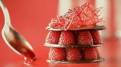 Πόσο πιό λιγουρευτικά να προσεγγίσει κανείς ένα γλυκό;