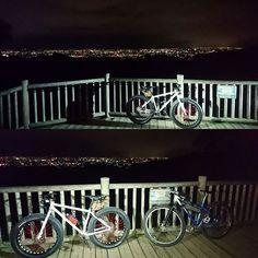 Instagram【anma883】さんの写真をピンしています。 《#交野市 #夜景 #マウンテンバイク #mtb #ファットバイク #fatbike #chargebikes #cookermaxi #チャージバイクス #サーリークランパス #サーリー #surlykrampus #surly #自転車で #自転車のある風景 #展望デッキ #osaka #深夜徘徊 #大阪府》