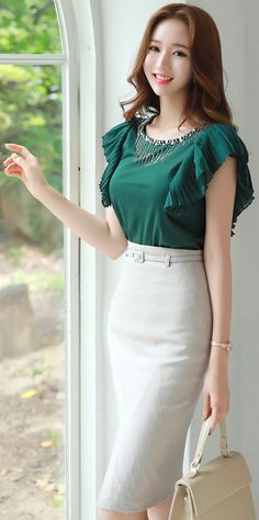 StyleOnme_Front Slit Belted Linen Pencil Skirt #feminine #linen #pencilskirt #koreanfashion #kstyle #kfashion #seoul #summertrend