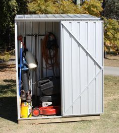 Would like to find out about firewood shed plans? Then here is without doubt the right place! Car Shed, Bike Shed, Shed Organization, Shed Storage, Outdoor Buildings, Outdoor Structures, Flat Roof Shed, Garbage Shed, Garden Shed Kits
