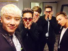 Image about kpop in Big Bang my Kings 👑 by saraleekim Daesung, Gd Bigbang, Bigbang G Dragon, 2ne1, K Pop, Got7, Fanfiction, Sung Lee, Rapper