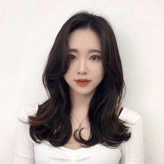 Fashion Illustration Sketches, Asian Beauty, Asian Girl, Cool Hairstyles, Hair Cuts, Long Hair Styles, Hair Ideas, Animals, Girls