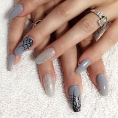 More from my site 25 Creative Halloween Nail Art Ideas Spooky Halloween Nail Designs in 2019 Halloween Nail Designs, Halloween Nail Art, Spooky Halloween, Halloween Halloween, Halloween Makeup, Cute Halloween Tattoos, Halloween College, Halloween Costumes, Halloween Office