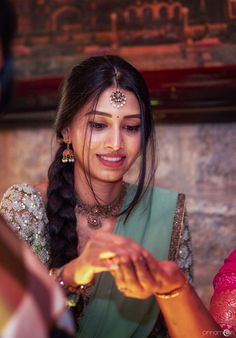 A Graceful DIY Engagement With The Bride In Two Gorgeous Outfits And Antique Jewellery! Wedding Couple Poses Photography, Girl Photography Poses, Saree Hairstyles, Indian Hairstyles, Half Saree Designs, Saree Blouse Designs, Dress Indian Style, Indian Dresses, Indian Outfits