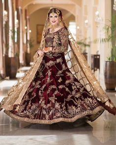 Gorgeous bride on her Baraat in bridal Pakistani Formal Dresses, Pakistani Wedding Outfits, Pakistani Dress Design, Bridal Outfits, Bridal Gowns, Shadi Dresses, Indian Dresses, Indian Bridal Lehenga, Pakistani Wedding Dresses
