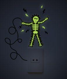 choque . adesivo de parede que acende no escuro. Criado por Leo Conrado.