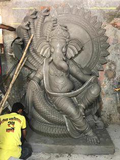 Ganpati Ganesh Ji Images, Ganesha Pictures, Sri Ganesh, Ganesh Lord, Clay Ganesha, Ganesha Art, Indian Gods, Indian Art, Ganesh Photo