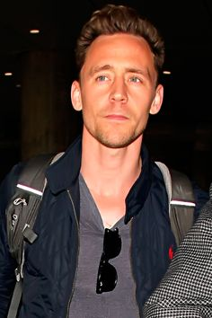 Tom Hiddleston seen at LAX in Los Angeles on May 31, 2016. Full size image: http://www.tomhiddleston.us/gallery/albums/2016/candids/310516/077.jpg Source: http://www.tomhiddleston.us/gallery/thumbnails.php?album=738