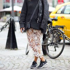 Woman outfit - nike sneakers