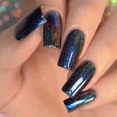 Fabulous Nails, Gorgeous Nails, Black And Purple Nails, Black Chrome Nails, Black Glitter Nails, Powder Nails, Holo Powder, Chrome Nail Powder, Glow Nails