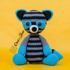 Rascal the Raccoon Amigurumi PDF Crochet por oneandtwocompany