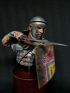 Roman Armor, Dungeons And Dragons Art, Roman Warriors, Military Figures, Fantasy Miniatures, Ancient Rome, Romans, Medieval, Statue