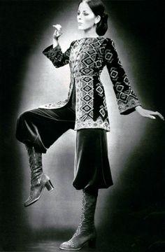 L'Officiel magazine 1970 Léonard 70s Fashion, Fashion History, Vintage Fashion, Fine Art Photo, Photo Art, Do The Hustle, Yves Saint Laurent, Vintage Looks, Vintage Style