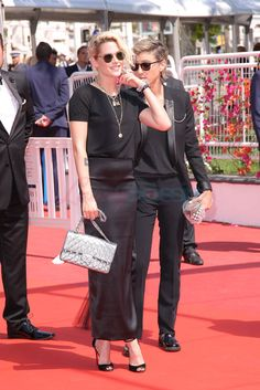 Kristen Stewart holds hands with Alicia Cargile in Cannes as ex-girlfriend Soko is also spotted holding hands with someone else at the festival|Lainey Gossip Entertainment Update