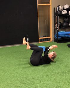 Join us for this great GLUTES AND CORE WORKOUT with a yoga block minute) taught by Human strength and mobility coach Emma Bissonnette. This exercise . Gym Workout Videos, Pilates Workout, Gym Workouts, At Home Workouts, Sport Fitness, Yoga Fitness, Fitness Shirts, Fitness Plan, Fitness Apparel