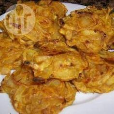 Baked Onion Bhajis [subbed with rice flour and served with mint-garlic-yoghurt dip]