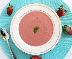 Dessert cold strawberry soup