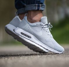 Pure Platinum Coats This Nike Air Max Tavas SE