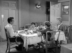 10 GREAT Habits of Families that Eat Together
