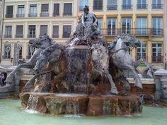 Visiter Lyon - Découverte de la ville des lumières: La Fontaine de Bartholdi