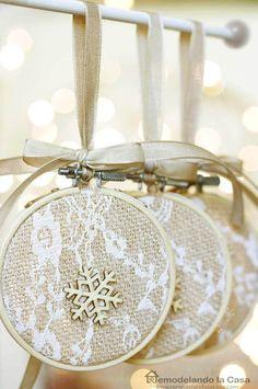 Holidays Last Minute: Embroidery Hoop - Handmade Christmas Ornaments