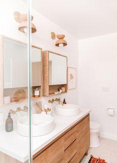 Bathroom decor for your master bathroom remodel. Discover bathroom organization, bathroom decor tips, bathroom tile ideas, master bathroom paint colors, and more. Bathroom Inspo, Bathroom Inspiration, Bathroom Ideas, Bathroom Organization, Bathroom Cleaning, Bathroom Vanities, Budget Bathroom, Bathroom Designs, Bathroom Storage