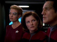 Robert Beltran, Kate Mulgrew, and Jeri Ryan in Star Trek: Voyager Star Trek Enterprise Ship, Star Trek Voyager, Uss Enterprise, Star Trek Bones, Star Trek Tattoo, Robert Beltran, Captain Janeway, Kate Mulgrew, Jeri Ryan