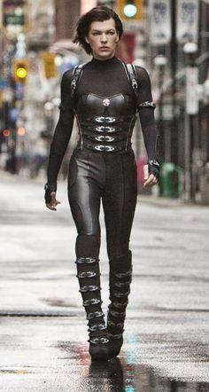 Alice's full outfit in Resident Evil Retribution