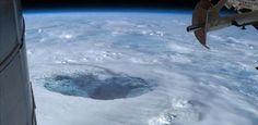 """""""Hay otro sol y una civilización muy avanzada que vive en el centro de la Tierra"""""""