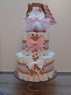 Gâteau de couches fille : Décoration pour enfants par cha-choux