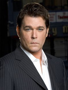 Ray Liotta,ones of stars goodfellas. Ray Liotta, Simon Baker, Crazy Outfits, Famous Men, Famous People, Comedy Central, Celebs, Celebrities, Celebrity Crush