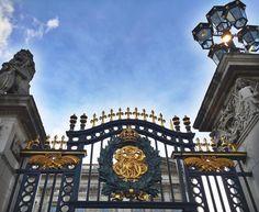 Knock knock  #Buckingham # #London by iambreena