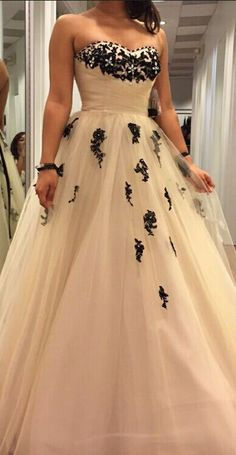 Sweetheart Applique Long Prom Dress Women Ball Gowns Tulle Formal Dresses