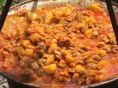 Cellar stew (classic) - Pincepörkölt (klasszikus) - Szabadtûzön készített ételek Goulash, Stew, Macaroni And Cheese, Grilling, Curry, Cooking Recipes, Ethnic Recipes, Foods, Drinks