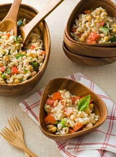 We are going to have to try this, Gluten Free Minestrone Pasta Salad!  www.RedzonePerformance.net