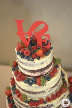 Red Velvet naked cake with mascarpone and lemon swiss buttercream and wild forest berries. @qgat