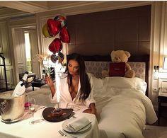 Katherine future lifestyle luxury life, birthday goals und l Luxury Lifestyle Fashion, Rich Lifestyle, Sugar Baby, Birthday Goals, 30th Birthday, Birthday Morning, Birthday Ideas, Birthday Parties, Luxe Life