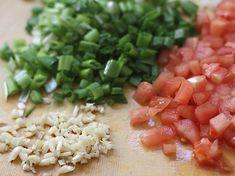 Sopa de Patacones - AntojandoAndo Columbian Recipes, Shirataki Noodles, Colombian Food, Slow Food, Home Recipes, Raw Vegan, Family Meals, Family Recipes, Cilantro