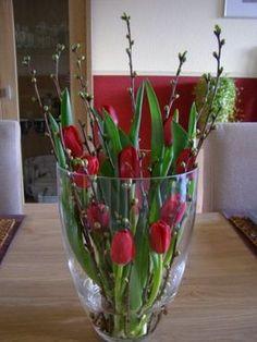 moje ulubione tulipany i galazki czeresni