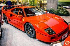 Ferrari F40, LA Supercar de Ferrari qui a fait rêver bien des jeunes entre les années 80 et 90. Voiture exposée au salon Retromobile à Paris. Reportage complet : www.newsdanciennes.com #Ferrari #F40 #Retromobile #ClassicCar