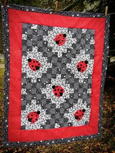 Lady Bug Double Irish Chain Quilt  - Gotta make a lady bug quilt for Elise!  Maybe more modern… more black and white….