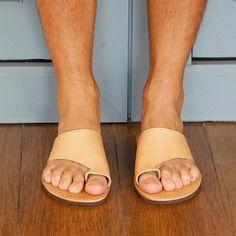 Sandals for men natural sandals men flip flop sandals mens Toe Loop Sandals, Flat Sandals, Flip Flop Sandals, Leather Sandals, Flats, Bohemian Sandals, Mens Flip Flops, Im Not Perfect, Unisex