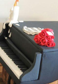 Piano cake (close-up)
