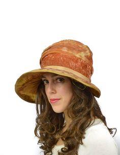 2a66b69822d25 Edwardian Hat Vintage 1920s Hat   Bell Cloche by FlatironVintage 1920s Hats