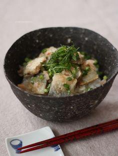 秋刀魚の竜田揚げ ねぎ味噌ちらし寿司 Fried Sardine with Miso Sauce Chirashi Sushi